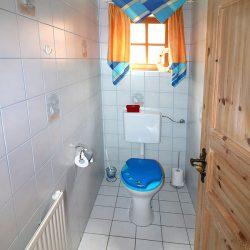 """separates WC im 1. OG der Ferienwohnung """"Roggenstube"""""""